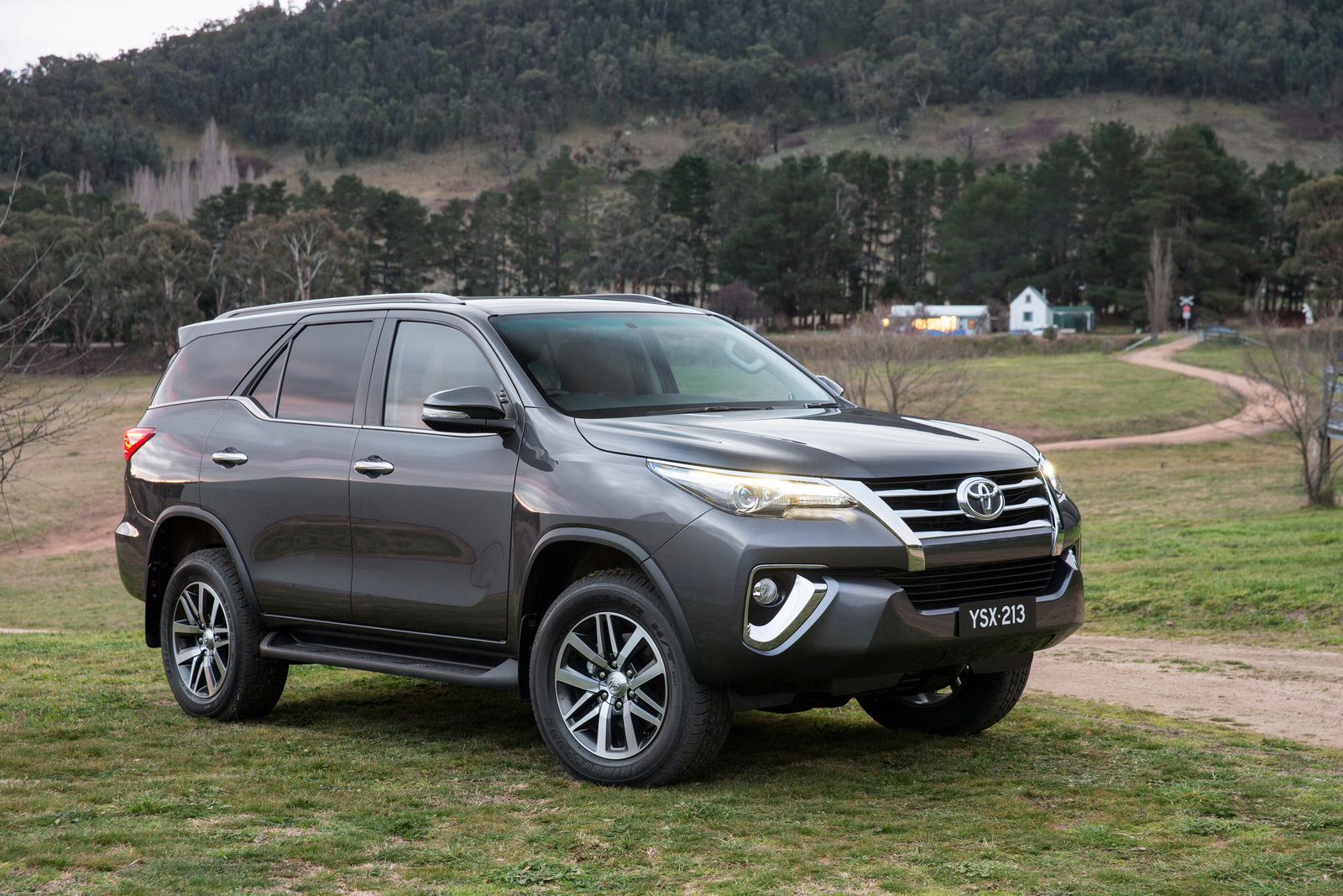 Hire Fortuner in Jammu Kashmir