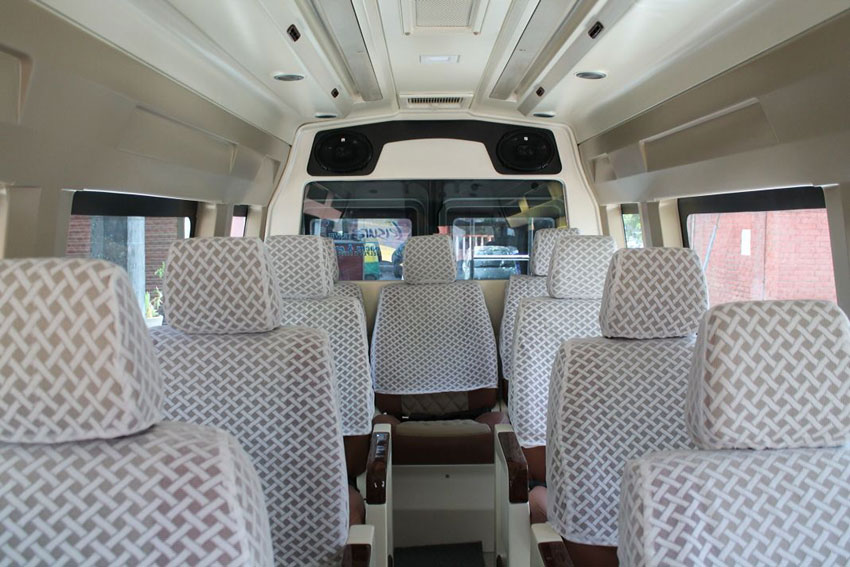 Book Tempo Traveller 13 Seater in Kashmir